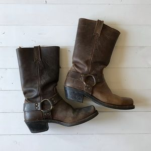 Frye Harness 12R Boots, tan brown   size 8